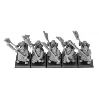 Discípulos de Lugar con hacha a dos manos